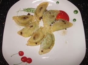 Ravioli ricotta e spinaci al pepebianco